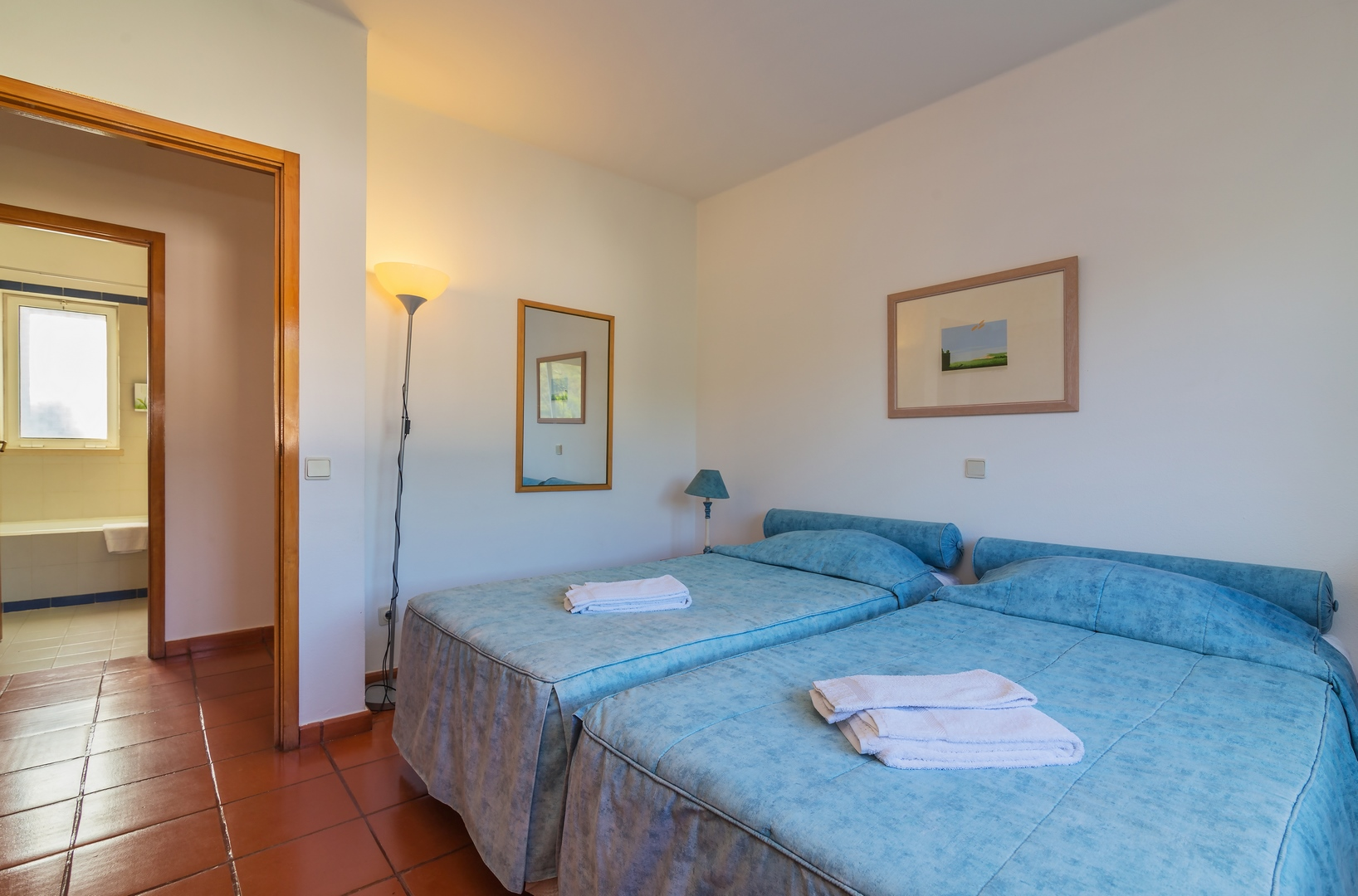 2 Bedroom Townhouse For Sale In Vilar do Golfe (9)