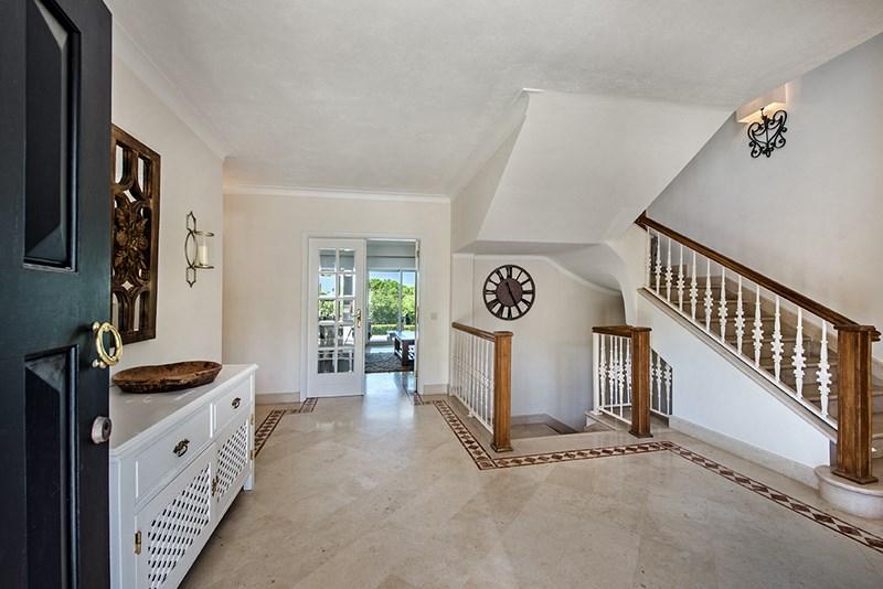 5 Bedroom Villa with sea view for sale in Quinta do Lago (1)