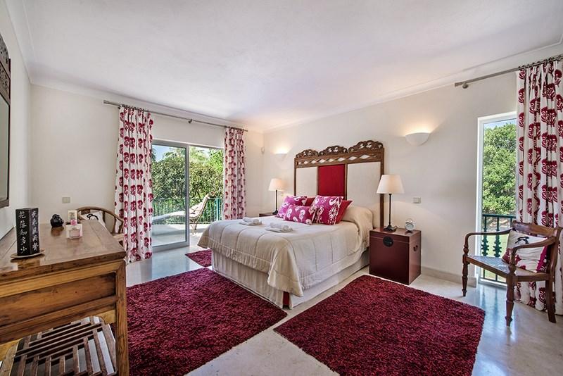 5 Bedroom Villa with sea view for sale in Quinta do Lago (2)