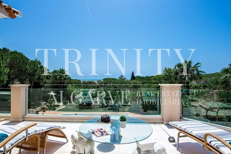 5 Bedroom Villa with sea view for sale in Quinta do Lago (21)
