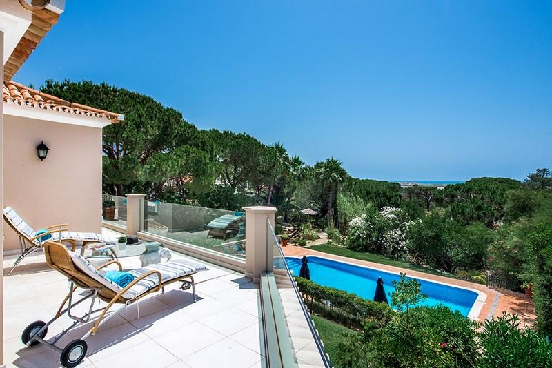 5 Bedroom Villa with sea view for sale in Quinta do Lago (22)