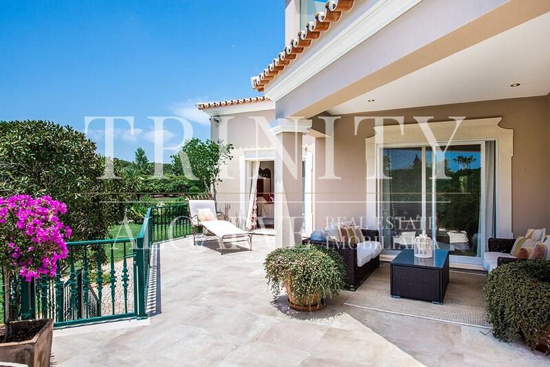 5 Bedroom Villa with sea view for sale in Quinta do Lago (24)