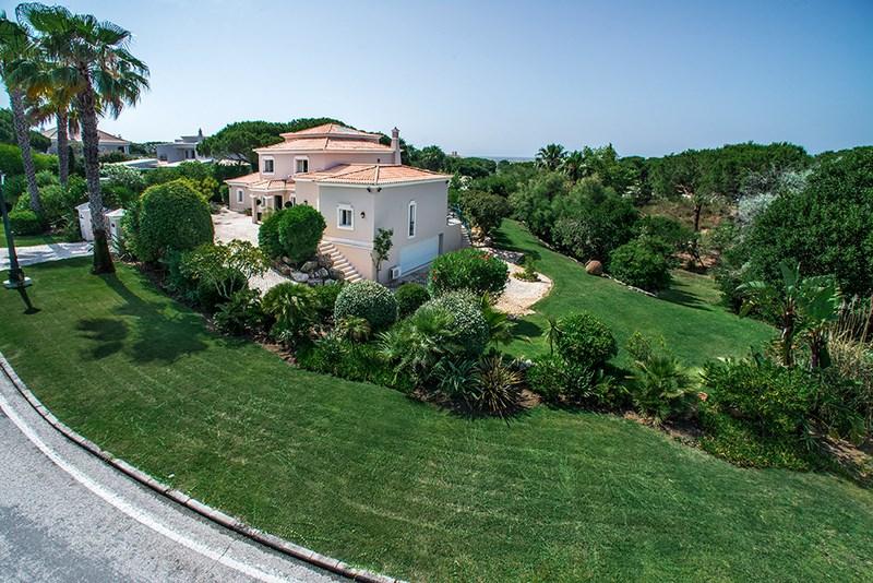 5 Bedroom Villa with sea view for sale in Quinta do Lago (4)