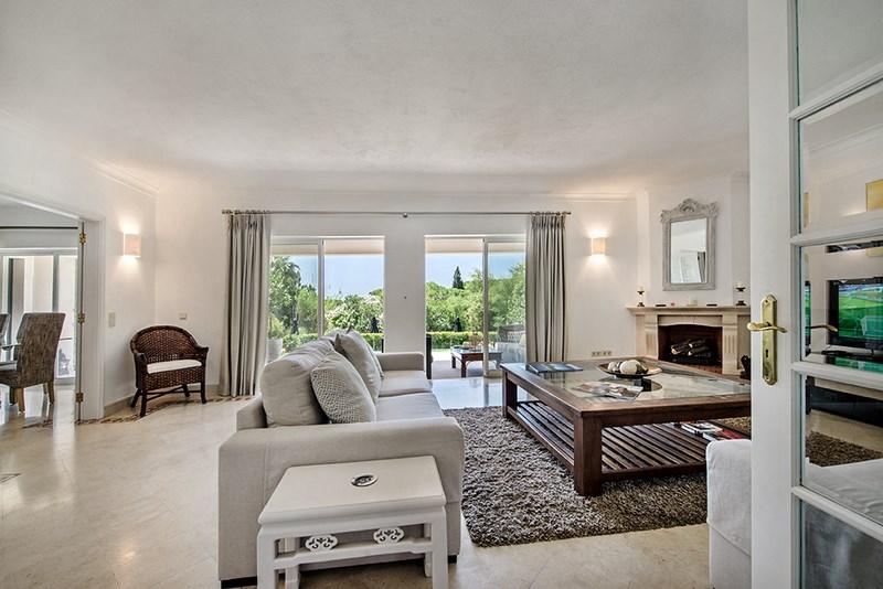 5 Bedroom Villa with sea view for sale in Quinta do Lago (9)