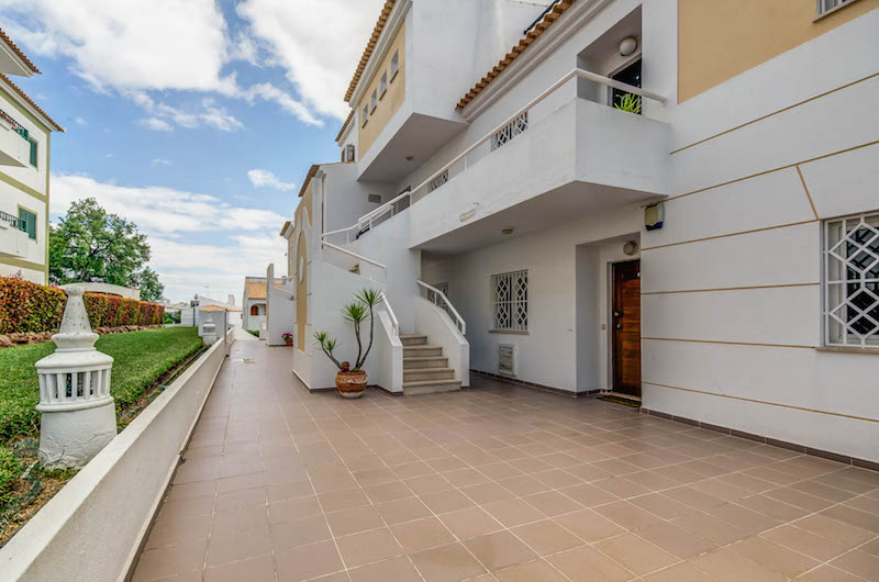 Vilamoura 2 Bed Apartment for Sale Portugal (29)